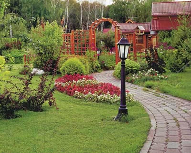 Дизайн участка с садом